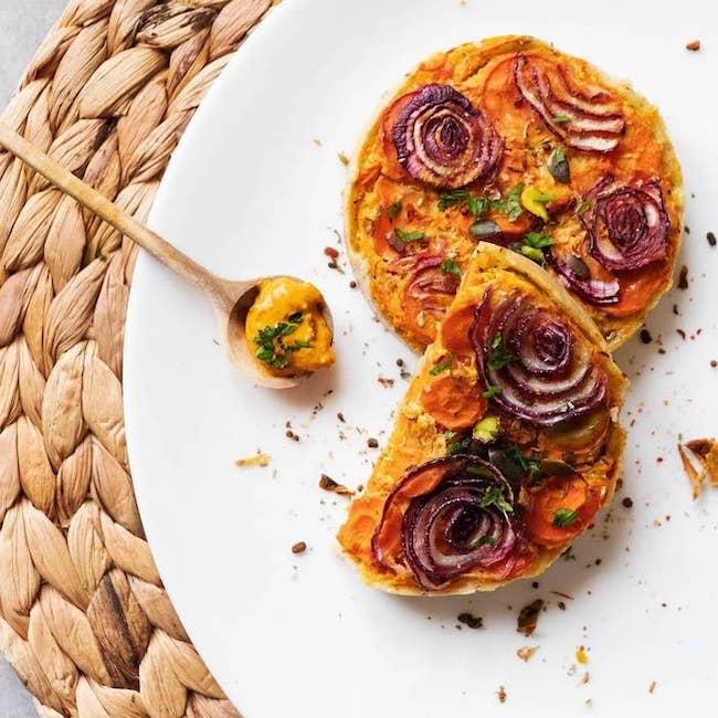 Recette de tarte à la farine de patate douce et aux légumes